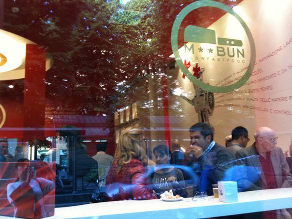 Ecco il Mac Bun, anzi M** Bun di Torino