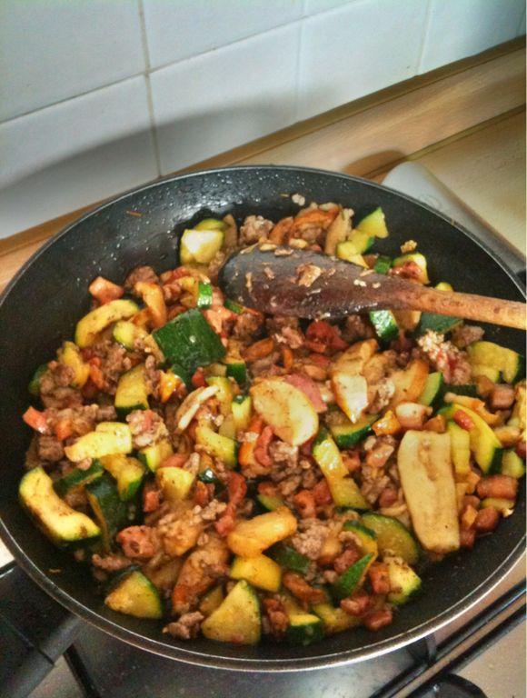 Pasticcio di carne al forno con pancetta e funghi porcini