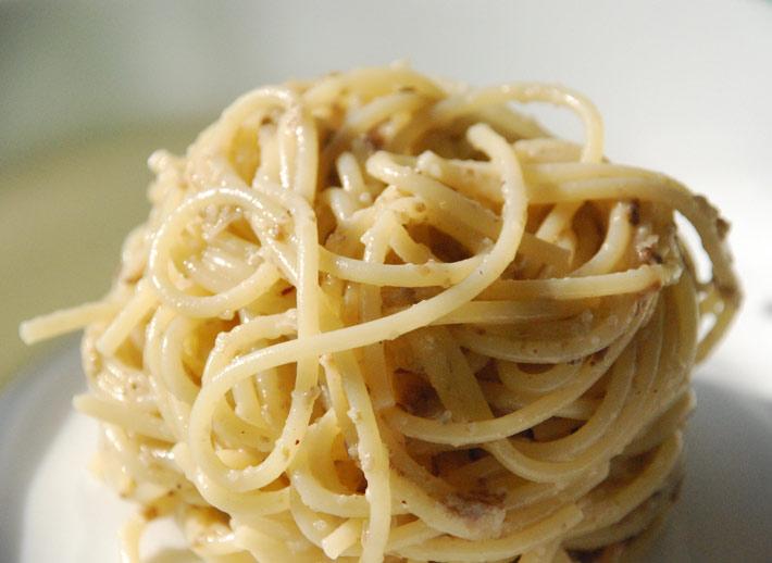 Spaghetti_salsa_grigia