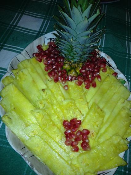 Come Servire L Ananas A Tavola.Due Ricette Veloci Con L Ananas